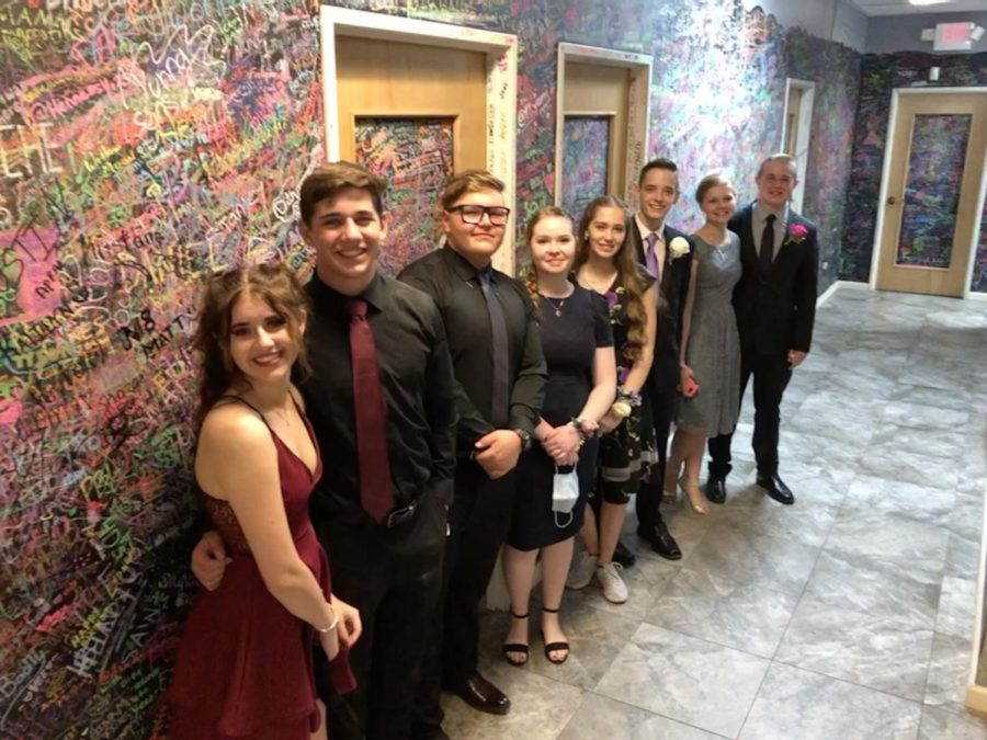 Mason+Williams%2C+Matthew+Wood%2C+and+the+rest+of+their+homecoming+group+participated+in+an+escape+room+at+ESCAPEability.