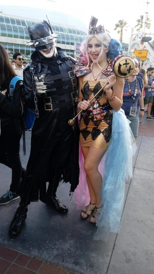 Alhana posing with a fellow cosplayer at Comic Con.