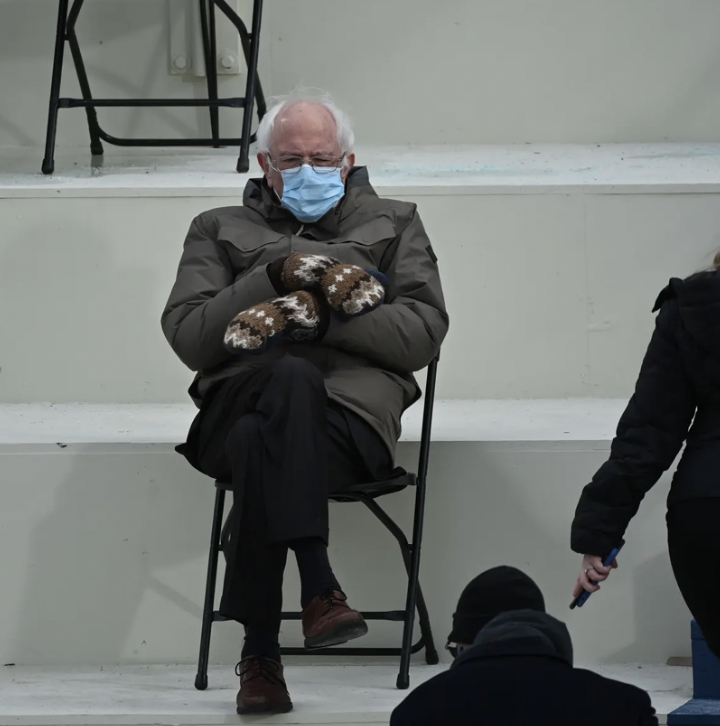 The+Bernie+Sanders+photo+that+has+taken+the+U.S.+by+storm.