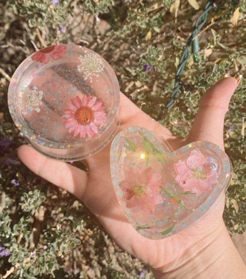 A handmade jewelry box created by Kayla Alia (jewelrynartbyka on instagram)